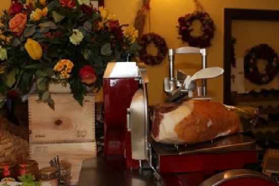 AIdente Trattoria E Vineria: cheese and salami