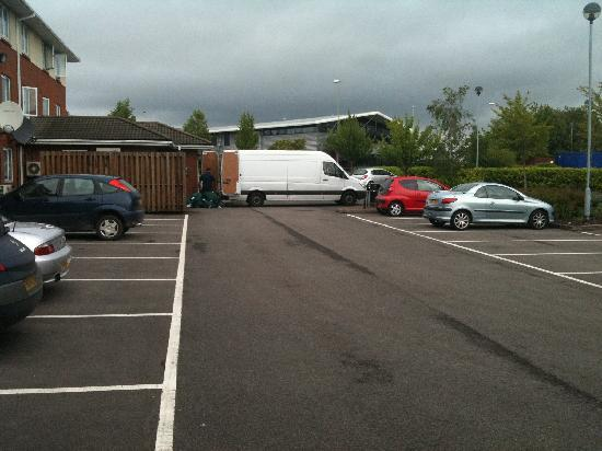Holiday Inn Express Gloucester South: The van blockin access