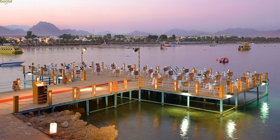 Naama bay places to eat