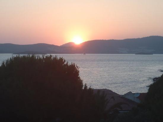 Hotel Mavi Holiday Village : Sunset from the Restaurant