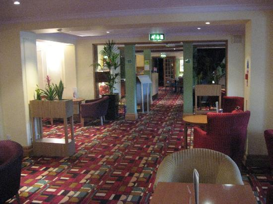 The Airport Inn Manchester: Bar area