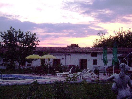 Villa Resen : Our rooms at sunset