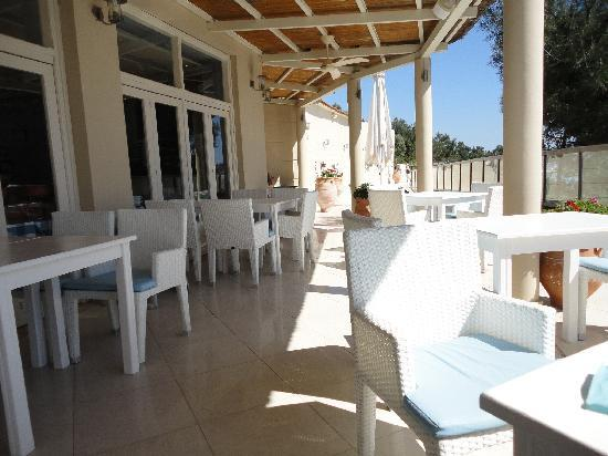 Ikos Oceania: pool restaurant