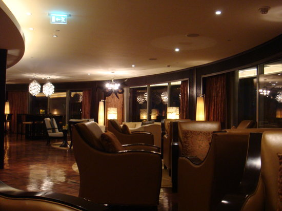 The Address Downtown Dubai: Club lounge