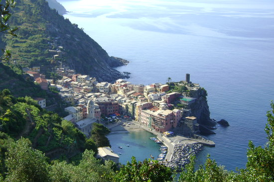 Vernazza from hiking trail
