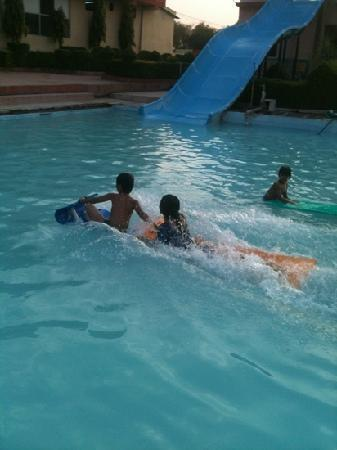 Jabalpur, India: water park