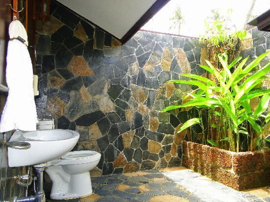 Koh Kood Beach Resort Open Air Bathroom