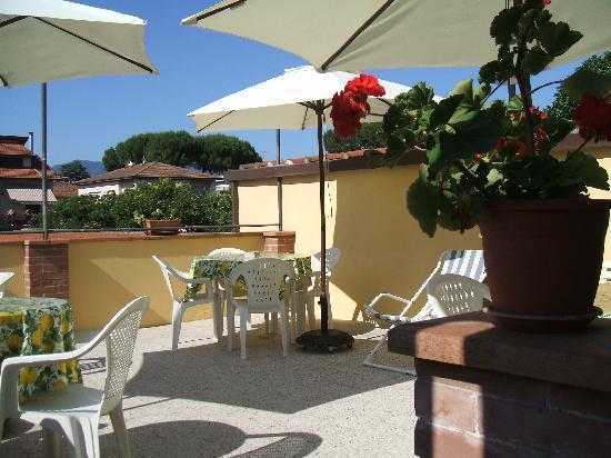 Hotel Melecchi: Terrace again