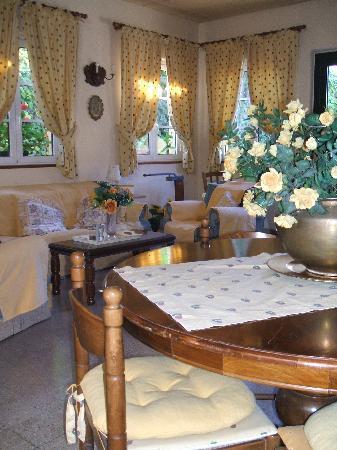 اوتيل ميليتشي: Guest lounge