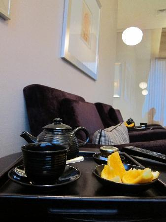 The Ritz-Carlton Jakarta, Mega Kuningan: lounge at spa pacific place