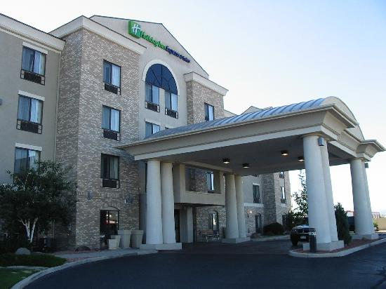 Holiday Inn Express Hotel & Suites Grand Junction: Hotel Exterior