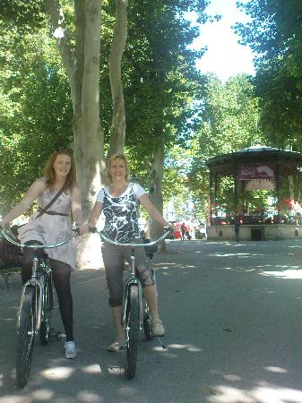 Blue Bike Zagreb Cycling Tours: Ingrid and Irene