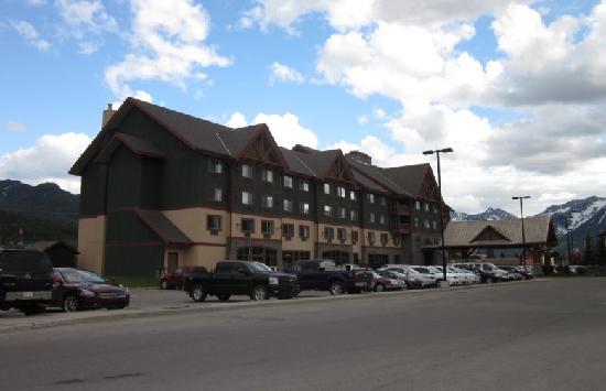 Best Western Plus Fernie Mountain Lodge: Exterior
