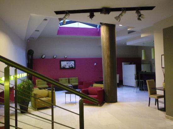 Joli salon mais tout le temps vide photo de best western cinemusic hotel rome tripadvisor for Image joli salon