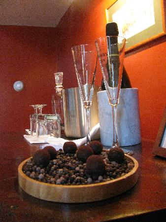 The Ashby Inn: VA sparkling wine and home-made chocolates!