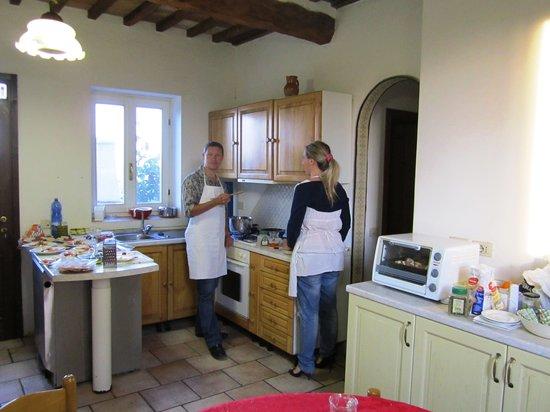 San Gimignano, Italia: My hubby and Katia