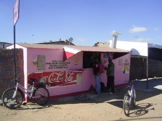 Soweto, Sydafrika: haveing a break and a great snack