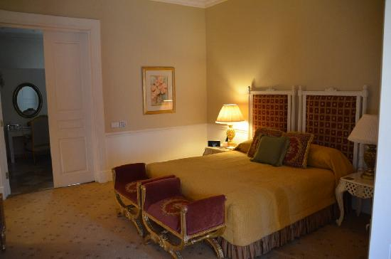 Fairlawns Boutique Hotel & Spa: A very comfortable bed