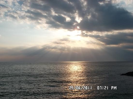 Hotel Giosue a Mare: tramonto visto dalla camera