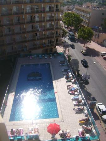 Hotel Piscis: The CLEAN pool