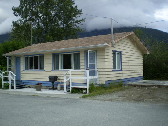 Bella Coola Motel: Our units are full kitchen bungalows