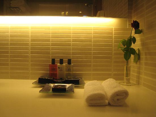Dan Tel Aviv Hotel: bathroom