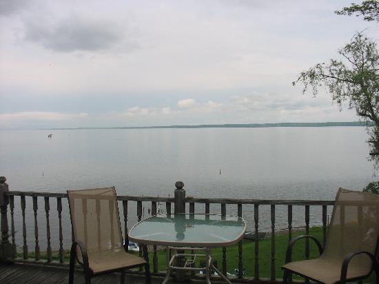 The Savannah House Inn : view from the deck