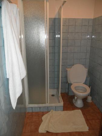 L'Auberge de Baudinard : Salle d'eau chambre 8