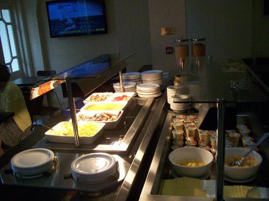 Queens Park Hotel: breakfast