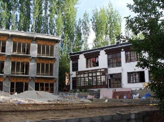 Hotel Kidar: On the left, a new wing with 9 rooms being constructed, to be completed by Aug 2011