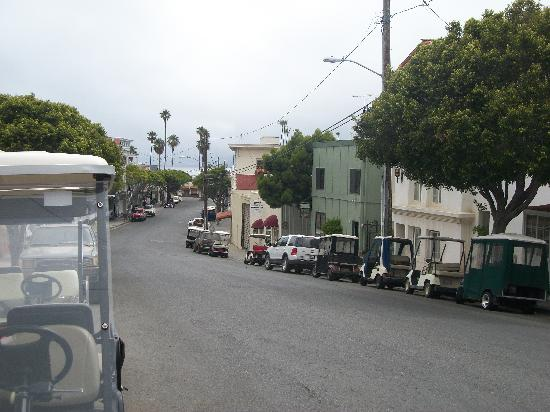 Casa Mariquita Hotel: Road from beach to the hotel