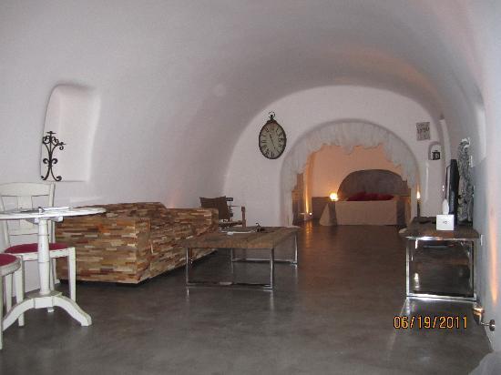 Andronis Luxury Suites: Pool Suite interior (room #17)
