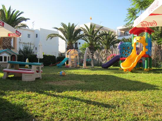 Atlantis Beach Hotel: playing ground in the hotel