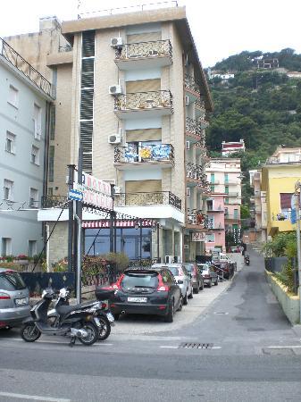 Hotel Aquilia: L'albergo
