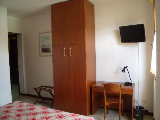 Bus86 Bed and Breakfast: Bed e Breakfast Roma