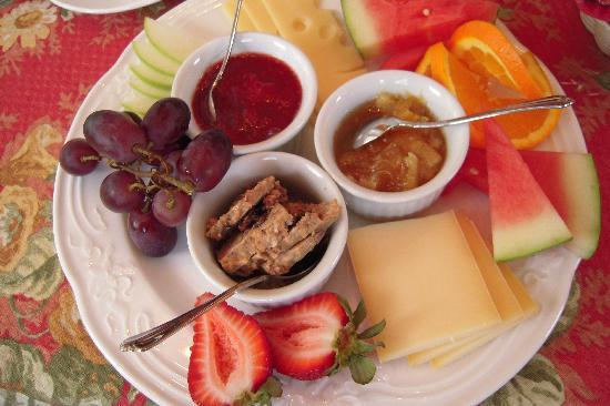 A la Chouette : Petit déjeuner avec produits régionaux