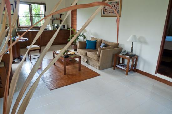 Rising Sun Residence: One bedroom villa living room