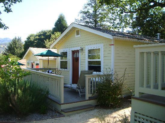 أورورا بارك كوتيدجيز: Our little cottage
