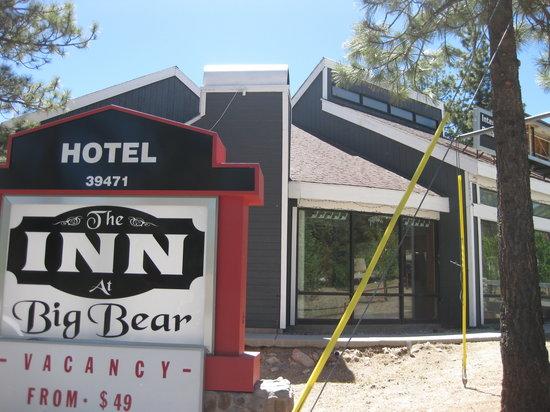 Travelodge Big Bear Lake CA: Front Entrance