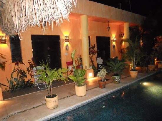 Casita de Maya: the entry into the hotel