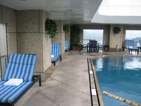 Shangri-La's Far Eastern Plaza Hotel Taipei: Rooftop pool
