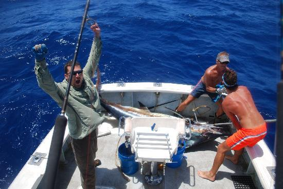 Victory dance picture of deep sea fishing kauai kapaa for Best time to go deep sea fishing in the gulf