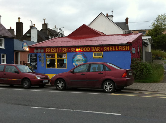 Out of the Blue Seafood: Out of the Blue in a small building on the Dingle Waterfront