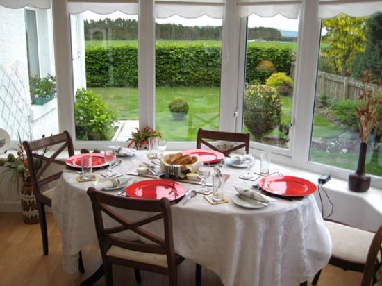 Hillview Bed and Breakfast: Breakfast room