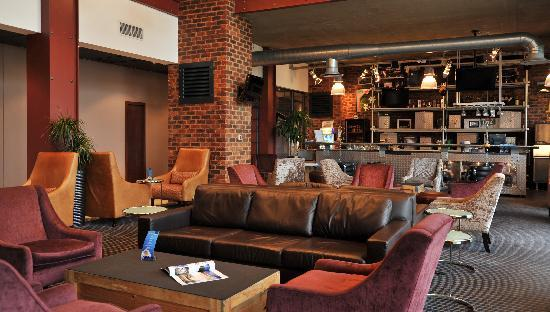 Protea Hotel by Marriott OR Tambo Airport: Bar