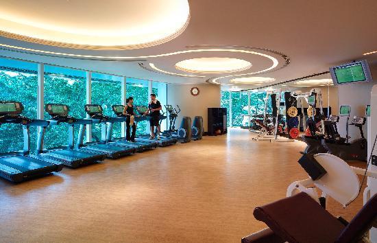 โรงแรมไอสแลนด์ แชงกรี-ล่า: Health Club