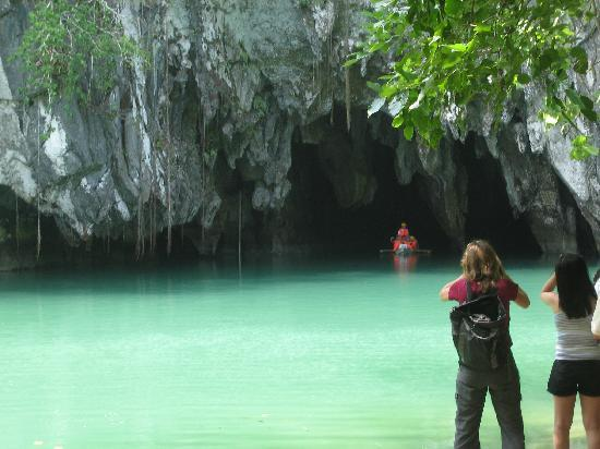 Puerto Princesa Underground River: An American Tourist taking a photo of the cave entrance