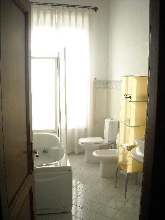 Relais Villa Grazianella - Fattoria del Cerro: il bagno