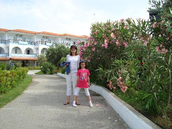 Sonia Village Hotel: My wife and my daughter