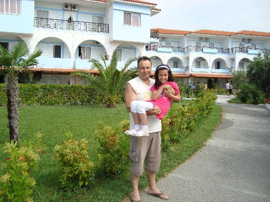 Sonia Village Hotel: Myself and my daughter
